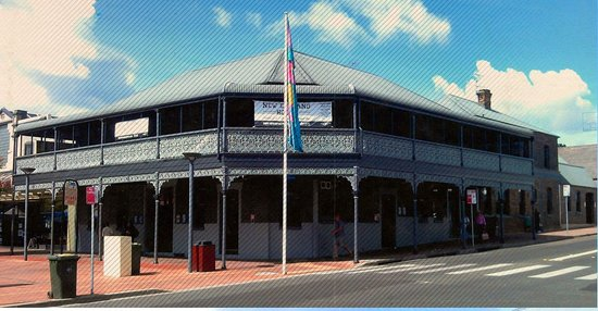 The New England Hotel - Accommodation Broome