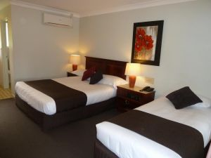 McNevins Warwick Motel - Accommodation Broome