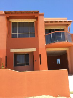 Tuscany Townhouse 3-4 - Accommodation Broome